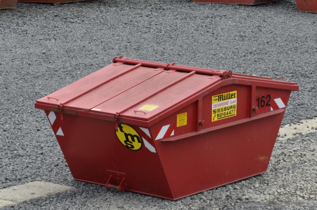 5,5 cbm Deckel-Container aus der Vogelperspektive
