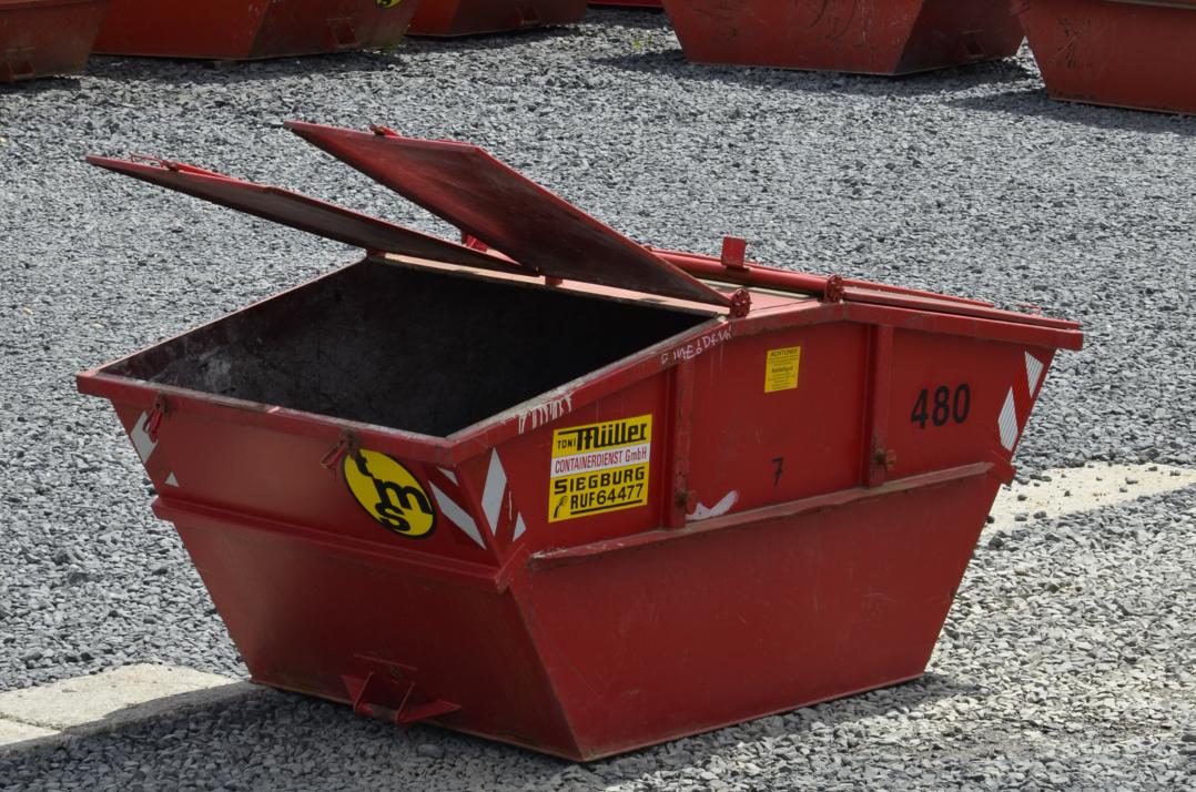 7 cbm Deckel-Container aus der Vogelperspektive